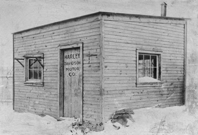 Harley Davidson - La choza donde William S. Harley y Arthur Davidson crearon un motor para impulsar la bicicleta en 1901
