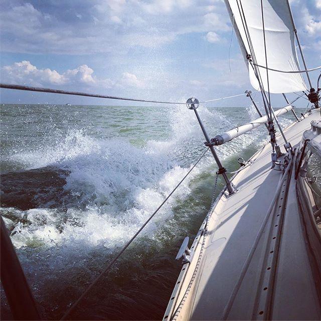 For more pics and the story please visit our blog-> Link in my bio. ⛵️ #sailing#instasail#segelboot#holland#friesland#segeln#welle#krängung#dehler#optima92#syrubicon#clouds#fun#sailinglife#instagood#instalike#followme#holland#ijsselmeer#speed#happy#watersports#wordpress#blogger#sports#fryslân#pfingsten2017