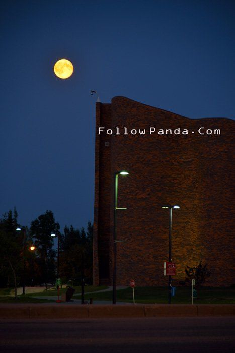 Grande Prairie SuperMoon at GPRC - Grande Prairie, Alberta, Canada | FollowPanda.COM
