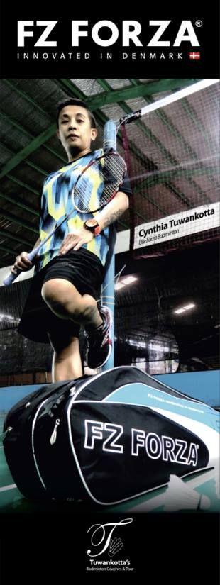 Cynthia Tuwankotta, use Forza Badminton.