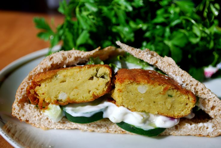 Falafel pita pockets with creamy cucumber dressing for $2.50/serving!