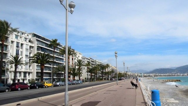 Nice - Promenade des Anglais - Exclusive location! Magnificent sea view, just in front of the beach and near the center. €440,000 #nice #promenadedesanglais