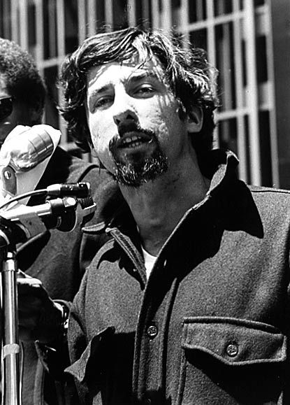 Tom Hayden, Students for a Democratic Society leader