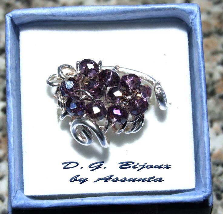 Anello in metallo placcato argento con swarovski viola
