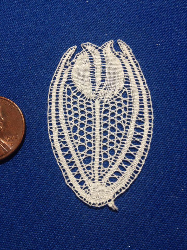 """Droste"" (as in the chocolate) in Binche bobbin lace, design by Anne-Marie Verbeke-Billiet"