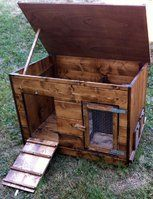 Pollai in legno
