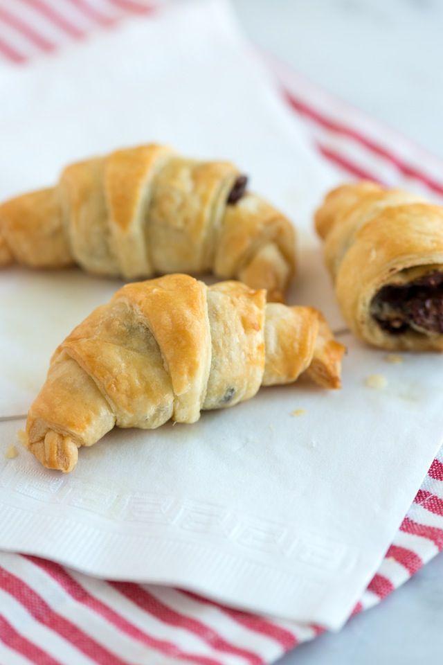 Easy Chocolate Croissant Recipe (3 ingredients!!)
