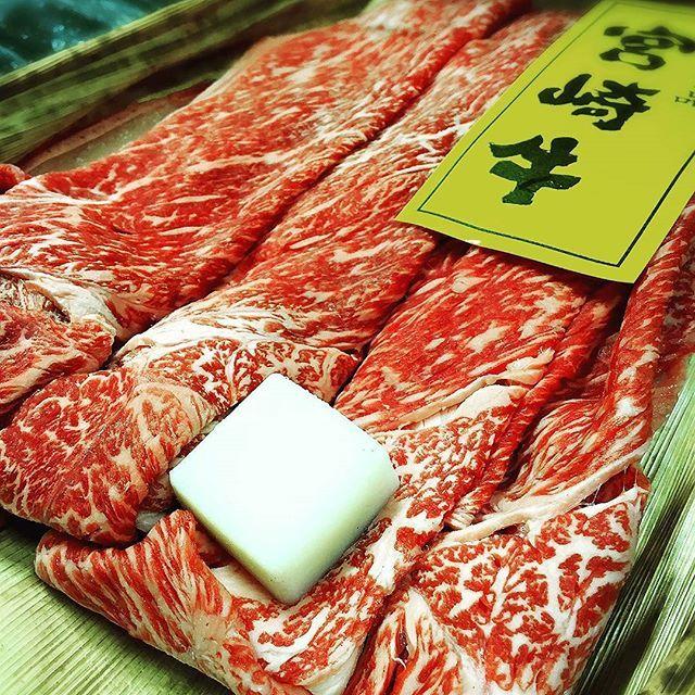 結婚式の引き出物でもなかなかいいレベル。 #肉 #すき焼き #beef #sukiyaki #引き出物