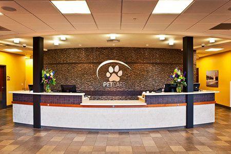 Recepción de una clínica veterinaria... ¿O es un hotel? Pictures of veterinary hospital | info @ animalarts biz www animalarts biz back next reception