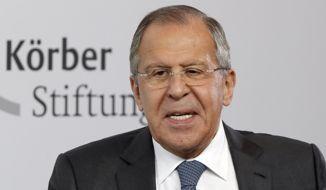 El Ministro de Relaciones Exteriores de Rusia, Sergey Lavrov, interviene durante un acto de la Fundación Koerber en Berlín, Alemania, el jueves 13 de julio de 2017. (AP Photo / Michael Sohn) ** FILE **