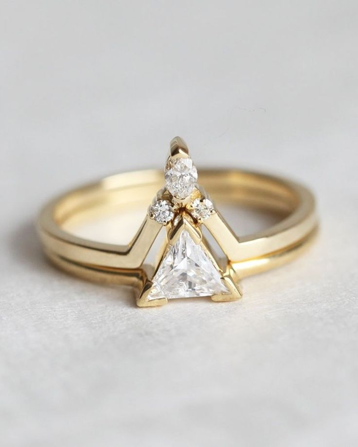 engagement + wedding ring perfection.