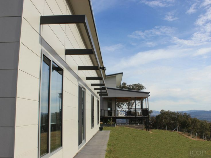 Outdoor living with a spectacular view! #Architecture #Australianhomes #iconobuildingdesign