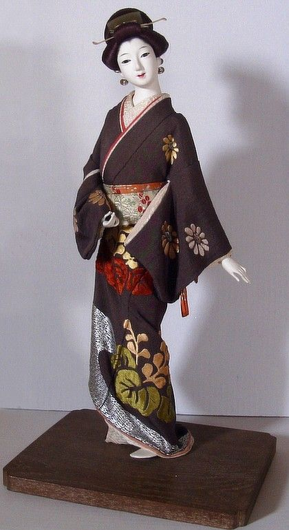 Japanese antique doll of Buke Musume. Japanese Dolls Collection. The Japonic Online Kimono and Japanese Fine Art and Antiques Store