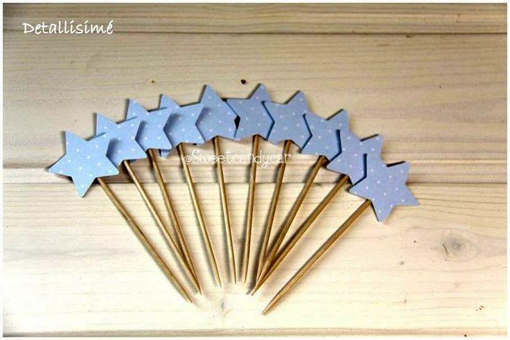 Estrellas-palillo de 10 centímetros. Ideales para adornar y decorar mesas dulces. Perfectas para brochetas dulces o saladas Pedidos: ettura@yahoo.es