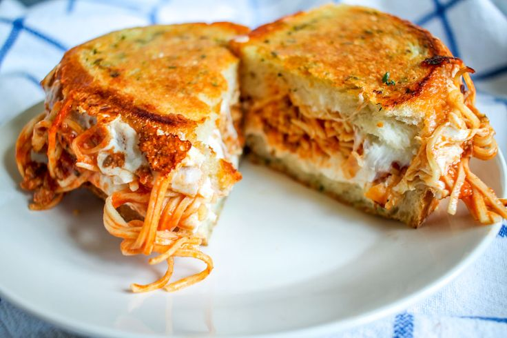 spaghetti-grilled-cheese-2