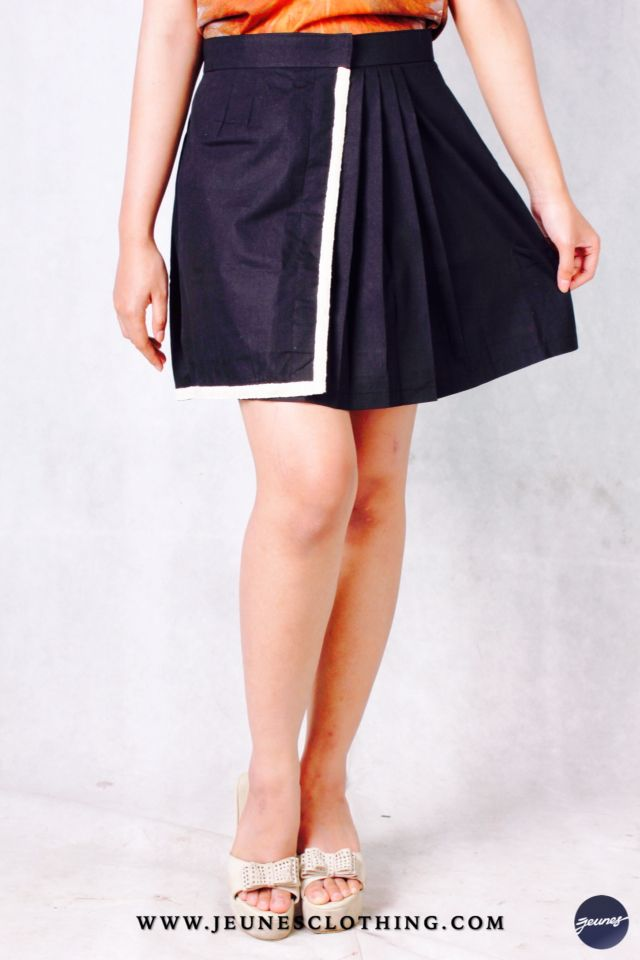 LADIES!  Article: Simply Skirt Size: S - XL Price: 150,000 idr  WWW.JEUNESOTHING.COM