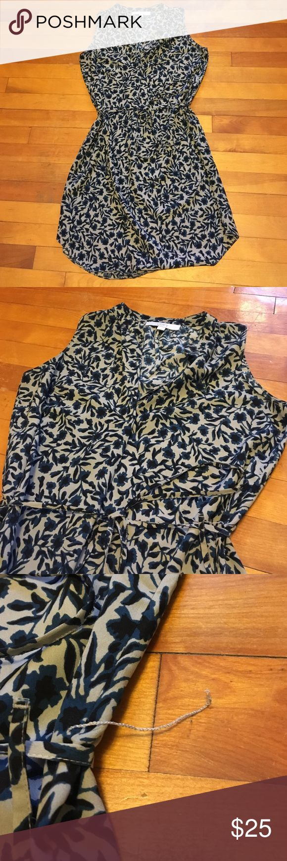 Loft dress Preloved Loft dress   Only defect is the tie loop on the left side ripped as shown. Good dress for layering. Smoke free home. Bundling available. LOFT Dresses Midi