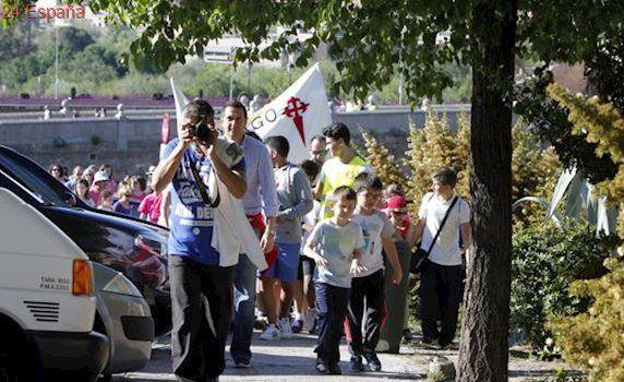 El colegio Santiago el Mayor, de marcha solidaria por el Valle