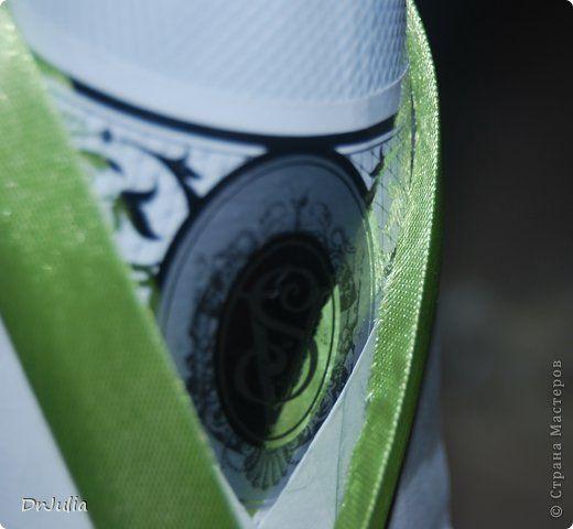 Декор предметов 8 марта Моделирование конструирование Цумами Канзаши Девушка Весна и как я делаю съёмную одежду для бутылок Бутылки стеклянные Ленты фото 12