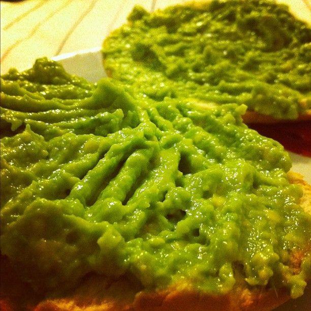 pan tostado con palta