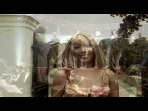 Melanie Thornton - Wonderful Dream (Holidays Are Coming)