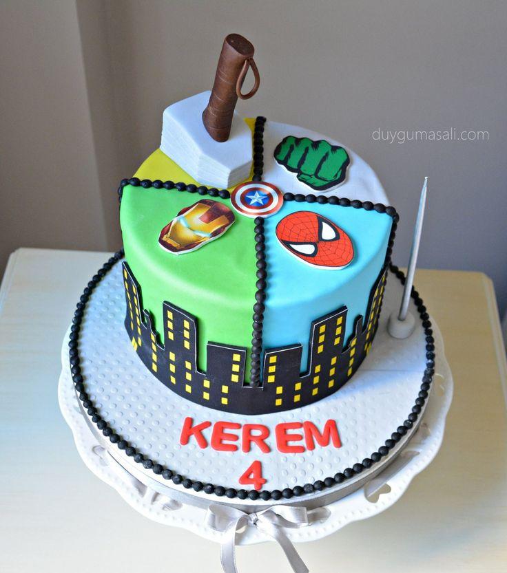 Kerem 4 yaşında! duygumasali.com #edirne #edirnepasta #edirnebutikpasta #butikpasta #sekerhamuru #fondant #fondantcake #avengers #avengerscake #superheros #butikpasta #spiderman #hulk #thor #ironman