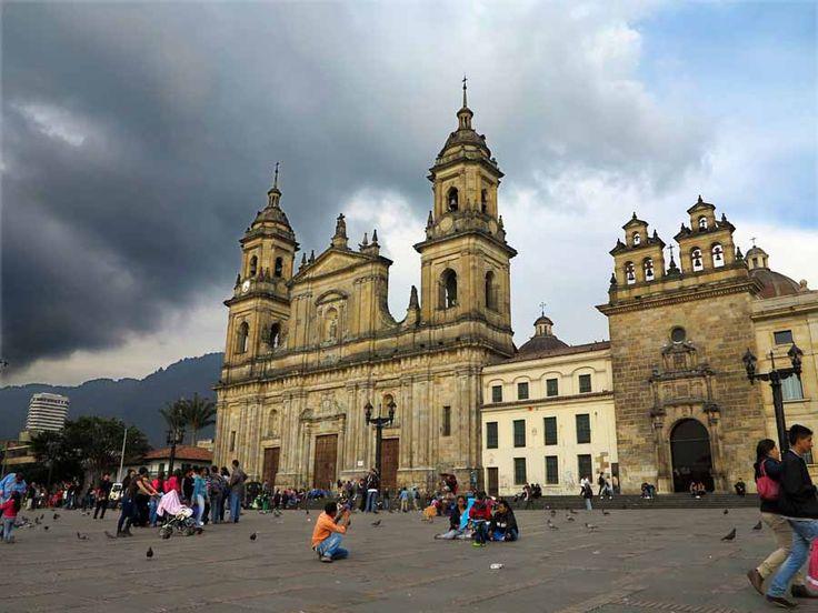Η κεντρική πλατεία της Bogota στην Κολομβία βρίσκεται σε υψόμετρο 2,640μ!