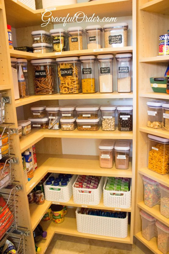 Kitchen organization. Oh I need a pantry like this!