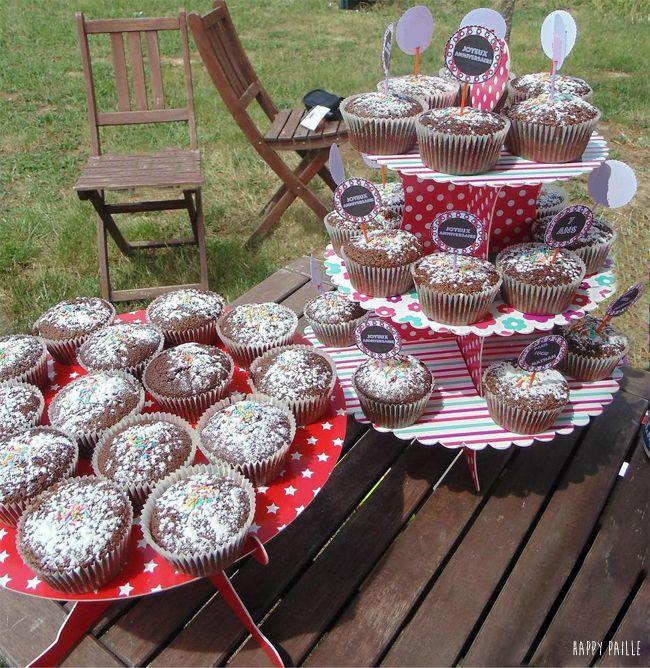 """Kit cirque pour un anniversaire : Pailles, piques, guirlandes... Sweet table, déco de table """"happypaille #pailles #sweettable #cirque #toulouse #étoile"""