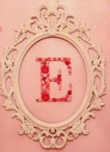 буквы на стену из пуговиц (2)