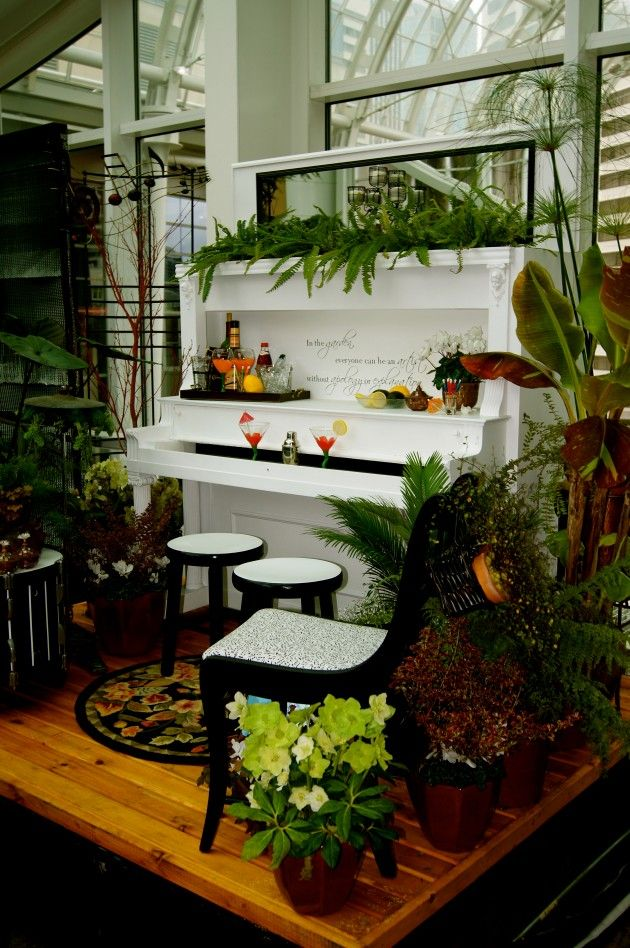 26 DIY Inventive Ideas how to Repurpose Old Pianos. I would use an upright as a buffet to shoecase dishes or serve food at parties; also as a bar.