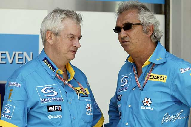 Pat Symonds and Flavio Briatore in 2005 (the best season!)  the color 100% Renault is like a dream Symonds is back in F1 now (Williams) but nothing will be the same (he is a lot fatter, too)