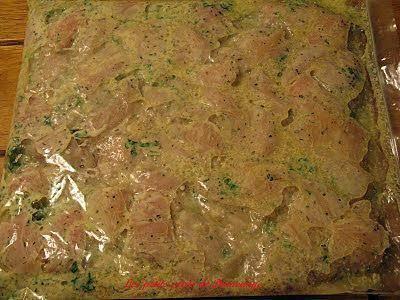 La meilleure recette de Marinade pour brochettes de poulet ( style Casa Grecque )! L'essayer, c'est l'adopter! 4.8/5 (4 votes), 14 Commentaires. Ingrédients: 3 1/2 cuil à soupe comble de  mayonnaise  2 1/2 cuil à thé d'origan 2 cuil à soupe persil frais Poivre noir du moulin 1/2 tasse d'huile végétale 6 cuil à thé jus citron 1 cuil à  thé d'ail en pot 1 cuil à thé moutarde Dijon 1 cuil à thé Bovril au poulet 5 petites poitrines poulet en cubes