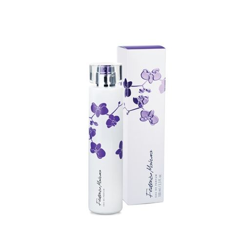 FM320 NŐI- Romantikus illat! (320 - YVES SAINT. L. - Parisienne - szerű illat) A damaszkuszi rózsa, az ibolya és a zamatos földi szeder romantikus keveréke szantálfával és pacsulival. Parfümolaj tartalom: 16% Illatcsalád:virágos-fás Kiszerelés: 100ml
