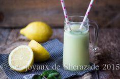 Citronnade maison facile à la menthe  Voilà un duo qui fait fureur, du citron et de la menthe. Une boisson qui vous feradu bien à l'heure du ftour, d