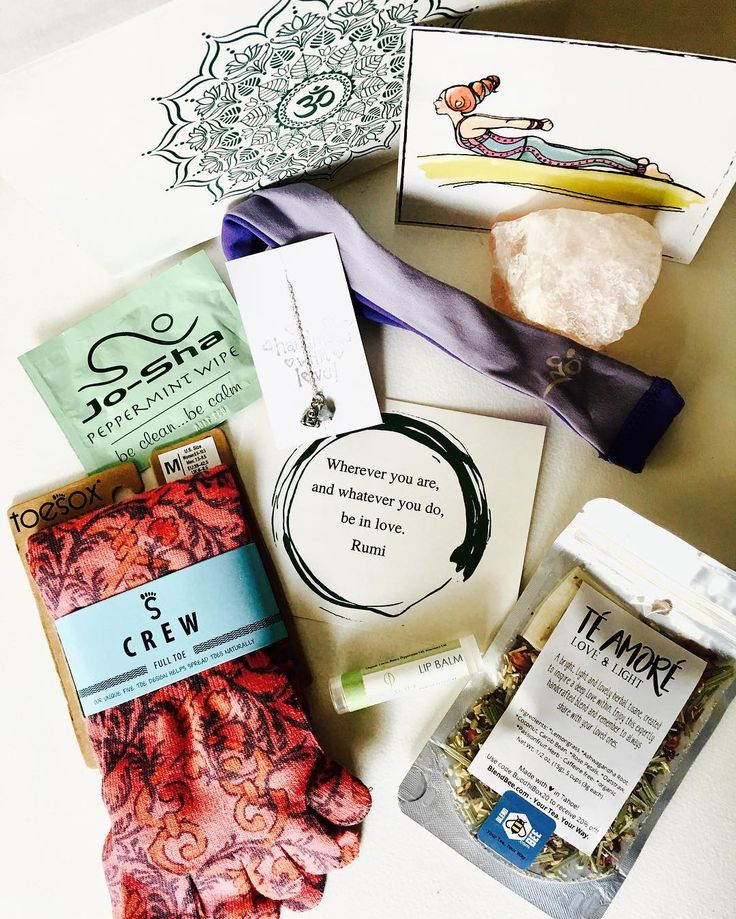 @buddhibox. This is the March box, which includes:  • adorable 90% organic cotton @toesox that activate toes  • @blendbee Te Amore Love & Light Tea to inspire a deep love within  • a super soft @cozyorange Twist Headband that wicks away sweat and is made of recycled plastic bottle fibers!  • a lovely, handmade @goghjewelrydesign Crystal Charm Bracelet with an om, lotus or Buddha charm.