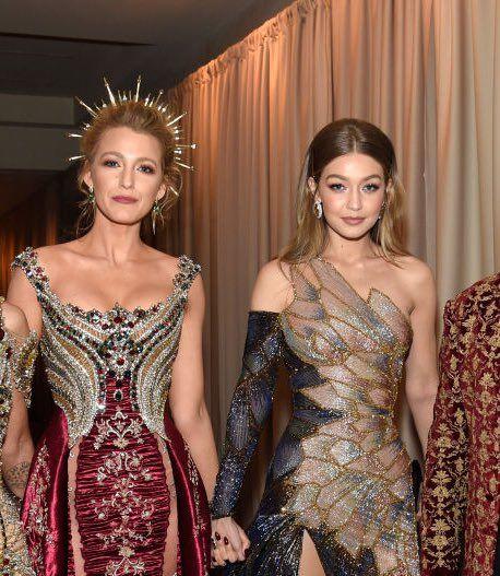 Gigi Hadid News on Twitter   Fashion, Dresses, Blake lively