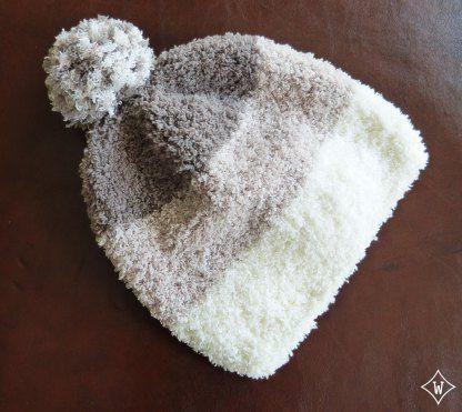 Modèle tricot bonnet super doux, facile et rapide | http://10doigtsdelooloup.wordpress.com