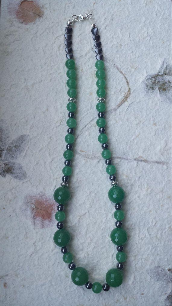 Collana avventurina verde ed ematite di Anaherabijoux su Etsy