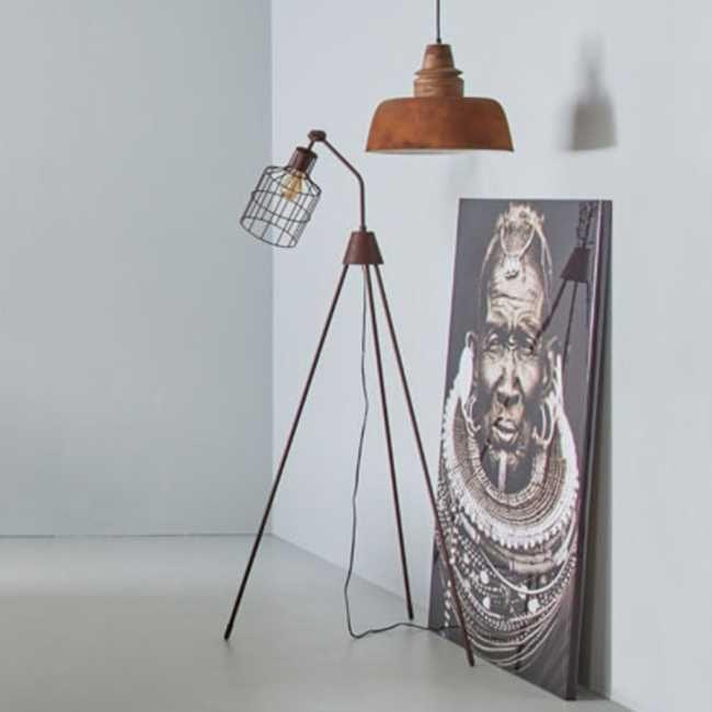 Woonexpress | vloerlamp RABANSI | Vloerlamp Rabansi is de grote zus van de tafellamp Marais. Leuk om samen te combineren!. De vloerlamp is gemaakt van metaal en heeft een mooie bronzen afwerking in een stoere roestafwerking.