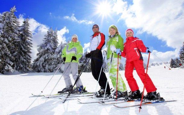 Cele mai scumpe destinații de vacanță din Europa pentru amatorii de schi sunt în actualul sezon cele din Elveția și din Franța, implicând, în medie, cheltuieli zilnice de 479, respectiv 464 de euro.
