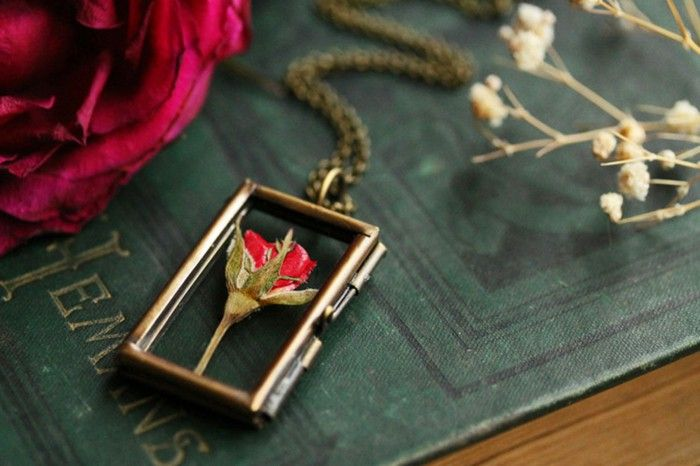 Vintage jewelry hand made necklace brass pendant red rose