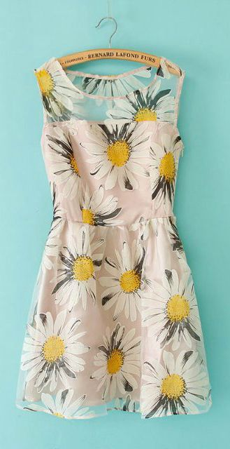 Paired with yellow flats, this flowery dress is perfect for the sunny days ahead.