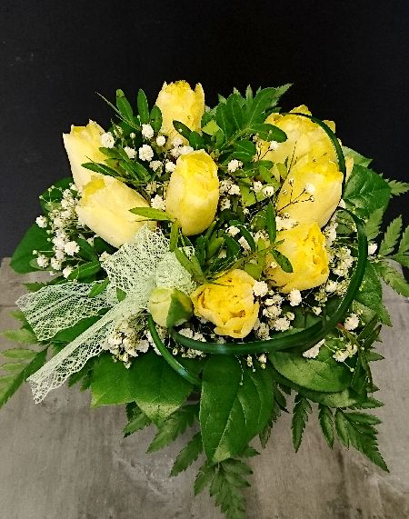 Kukkakimppu: keltaiset tulppaanit - Yellow tulips