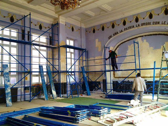 Restorasyon çalışmalarımız hızla devam etmekte. Binamızı hala ziyaretçilerimize açık tutmaya çalışıyoruz ancak artık ekstra ekipman kullanma...
