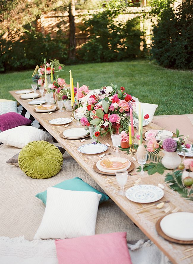 25 Tablescapes To Inspire Your Next Summer Party - Bohemian backyard bash
