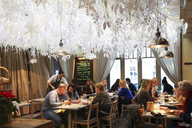 Фоторепортаж: Новогодние интерьеры ресторанов и кафе . Изображение №9.