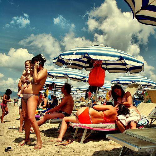 Cell phone Mom's Beach - Italians | Osvaldo_Zoom