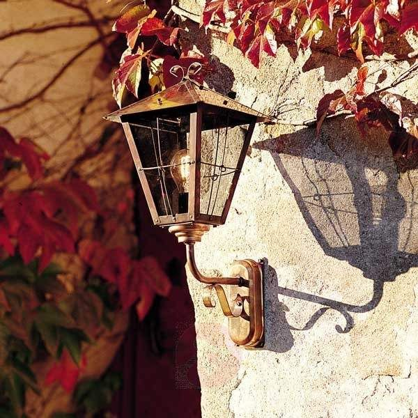Favolosa Lampada a muro da esterno Fenix in rame, disponibile su Lampade.it. Numero articolo 5522054