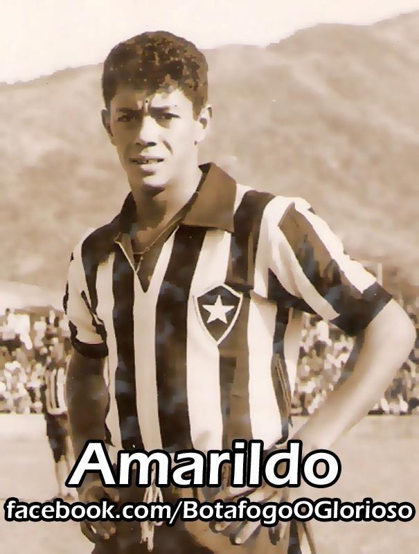 Teniendo que sustituir a Pele lesionado en Chile 1962, Amarildo juega cuatro partidos y marca tres goles....de la historia mas grande del futbol brasileño.